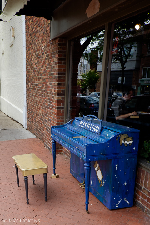 piano on the street
